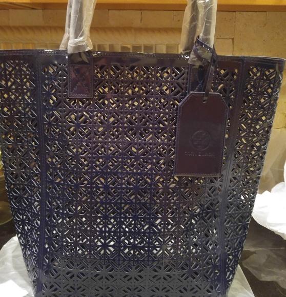 Tory Burch Handbags - Tory Burch navy blue tote